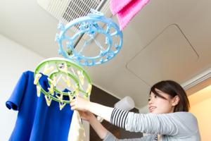 洗濯物は暖房乾燥機能付きバスルームに!