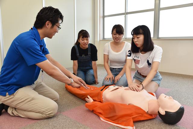 応急救護教習風景